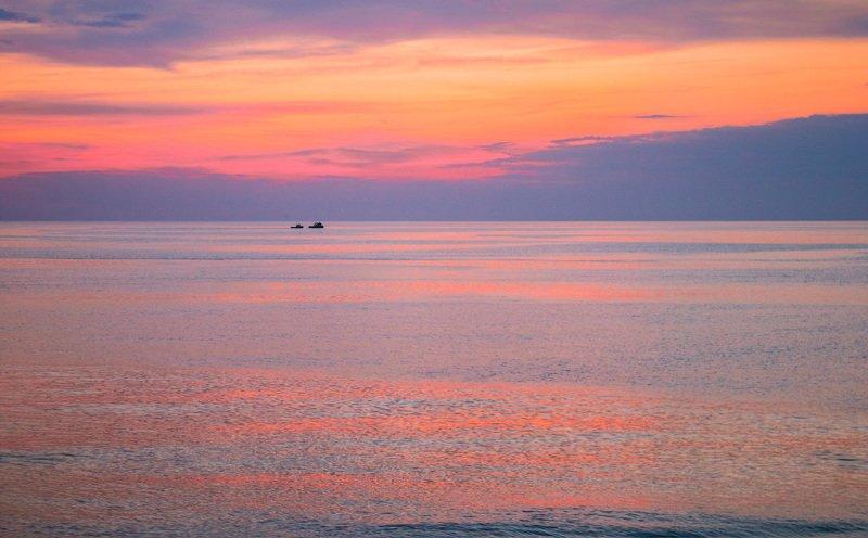 вечер, море, корабли, закат Вечерний походphoto preview