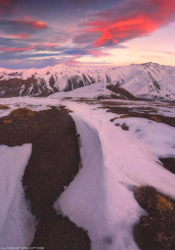Закат в окрестностях горного села Галахудатphoto preview