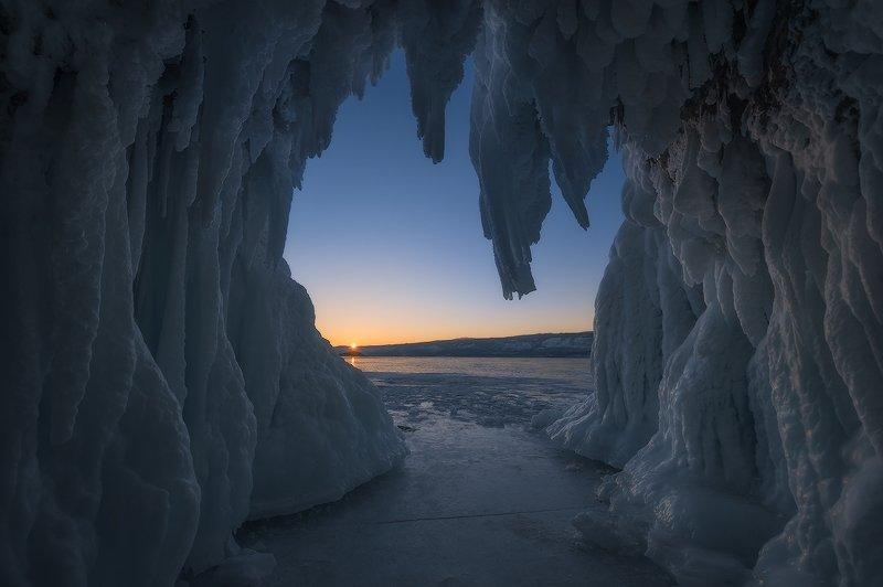 байкал Байкальское окно с видом на закат…photo preview