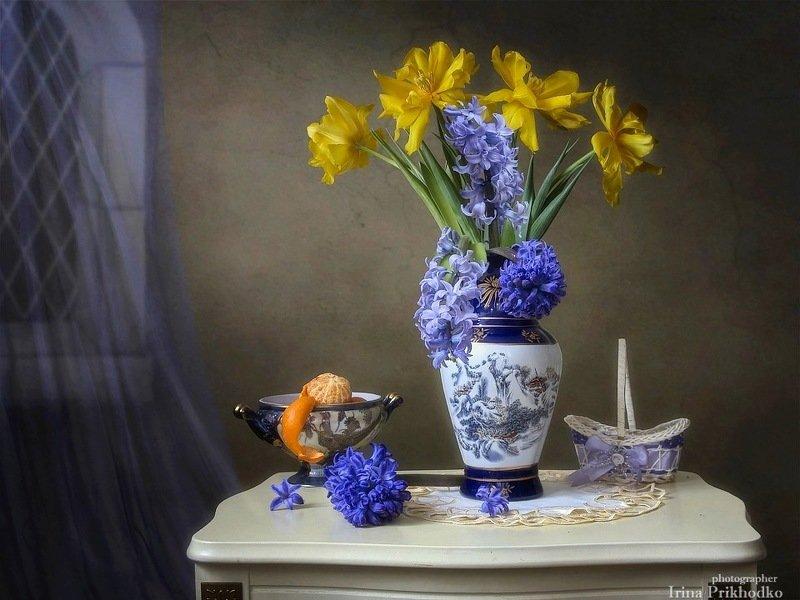 натюрморт, букет, весна, интерьер, винтажный натюрморт, весенние цветы Весенний букет в интерьереphoto preview