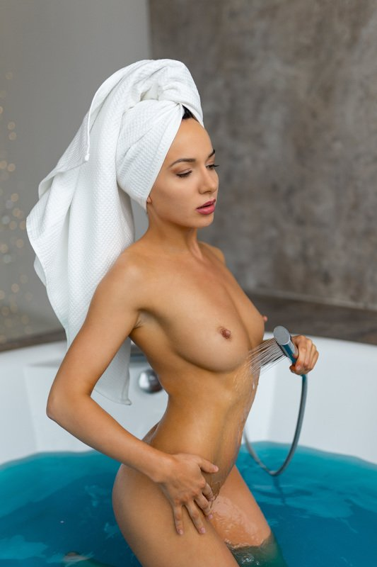 nude girl russian studio light topless bathroom level 16 Maya Fredresphoto preview