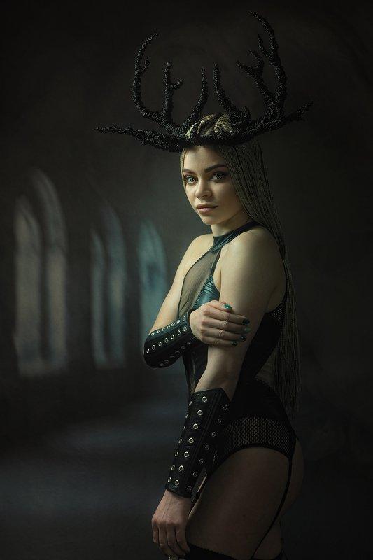 female, portrait, damned, black magic, dark, beauty, castle, spooky, fantasy, fairy tale, dream, smokey, night, queen, fun, horns, fantastic, tales Castle of the Damnedphoto preview
