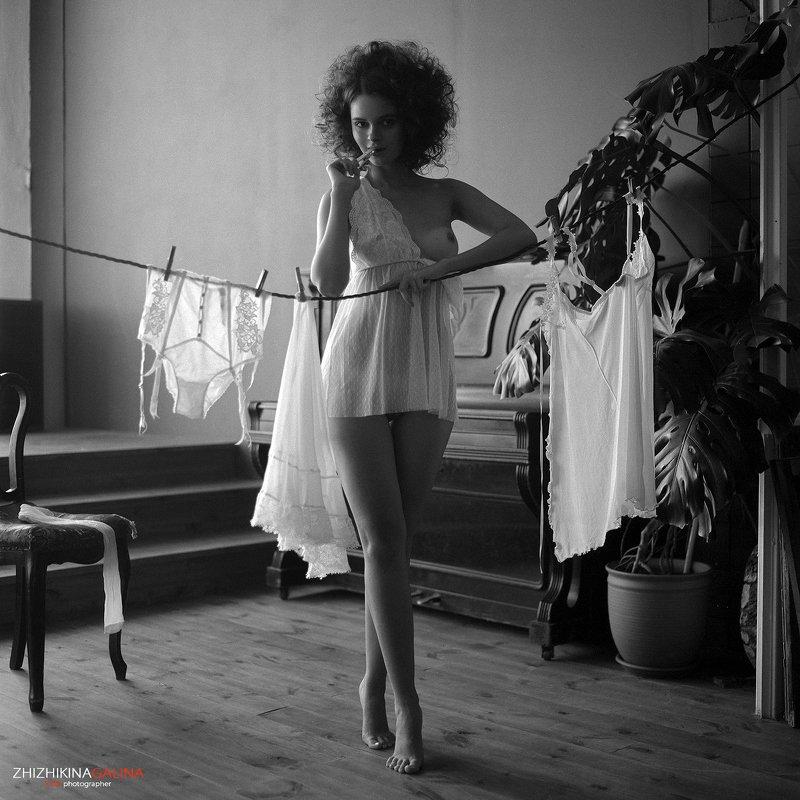 6x6, nude, artnu, film, girl, beauty, portrait, photographer, ню, чб, черное, белое, пленка, девушка, портрет, будуар, фотосессия Хозяюшка фото превью