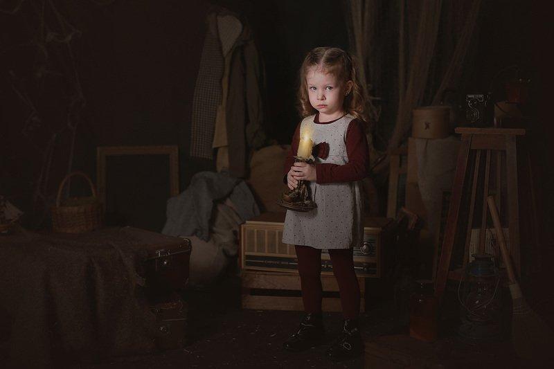 дети портрет история студия девочка кукла Тайны старого домаphoto preview