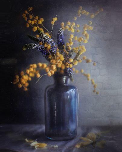 о синей вазе*