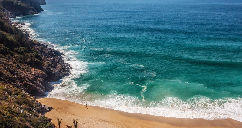 море, волна, купальщики, средиземное море, турция, пляж Двое и мореphoto preview