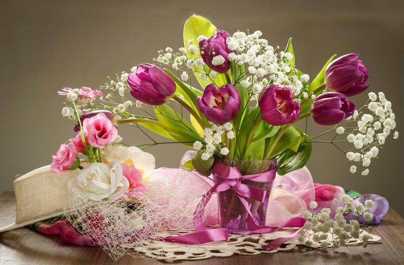 натюрморт, цветы, букет, тюльпаны Букет из фиолетовых тюльпановphoto preview