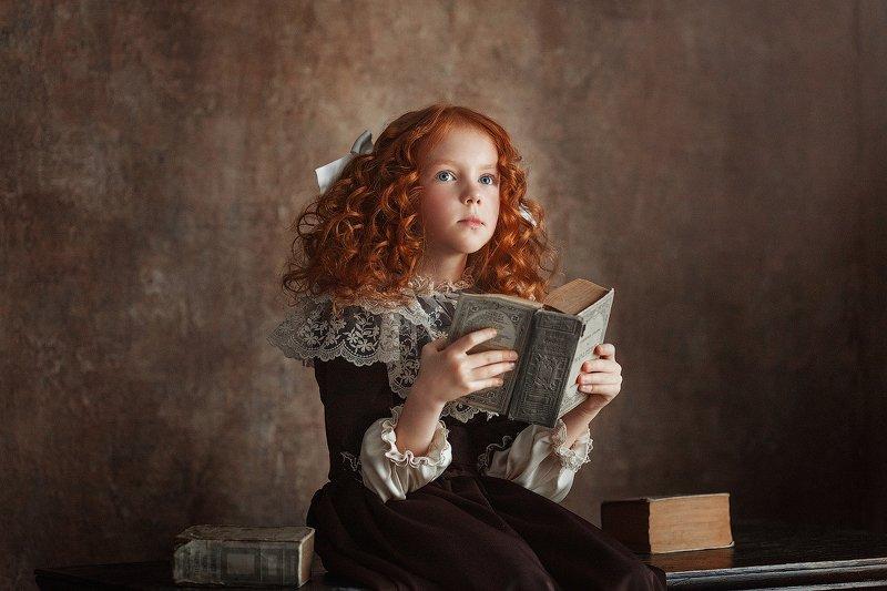 девочка, книга, рыжая Любительница книгphoto preview
