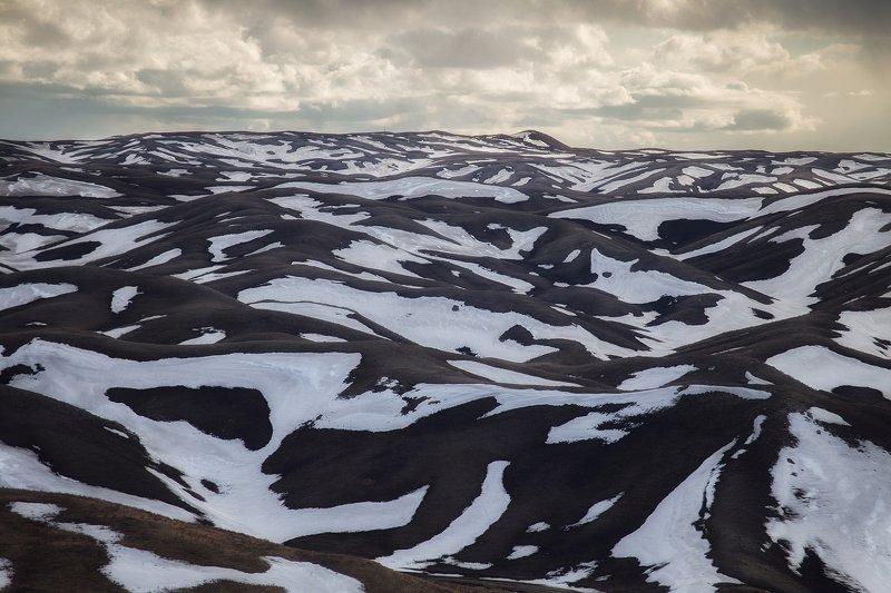Заснеженные склоны Губерлинских горphoto preview