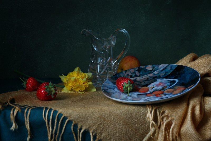 натюрморт, нарцисс, клубника, фарфор, сезанн С цветком нарциссаphoto preview