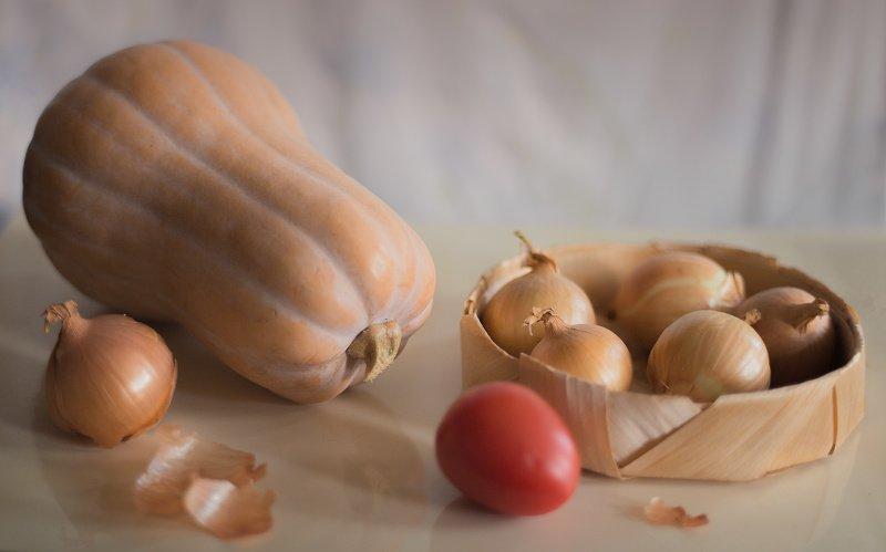 тыква, лук, помидор, натюрморт Тыква с лукомphoto preview