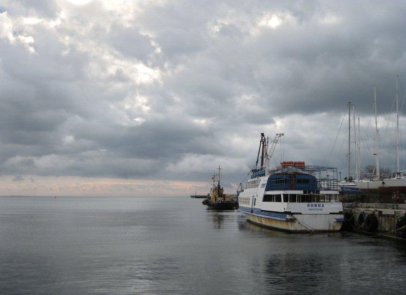 евпатория, порт, теплоход Янинаphoto preview