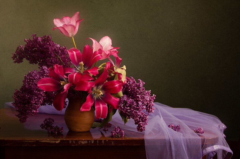 Натюрморт с тюльпанамиphoto preview