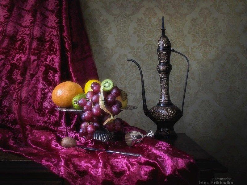натюрморт, интерьер, винтажный, фрукты, ваза Натюрморт с фруктовой вазойphoto preview