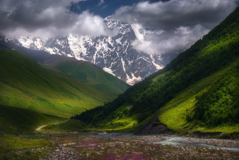 Долина реки Ингури, Сванетия.photo preview