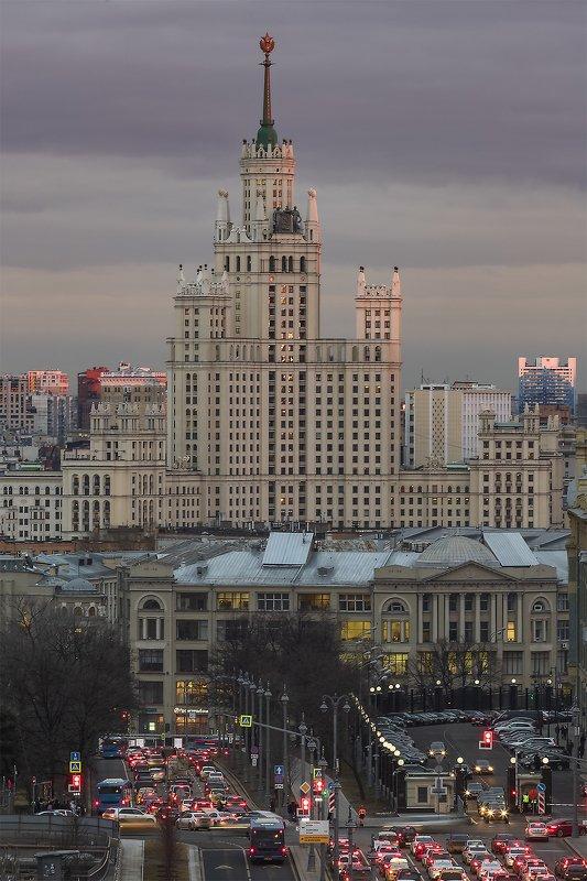 архитектура, город, вечер, весна, закат Высоткаphoto preview