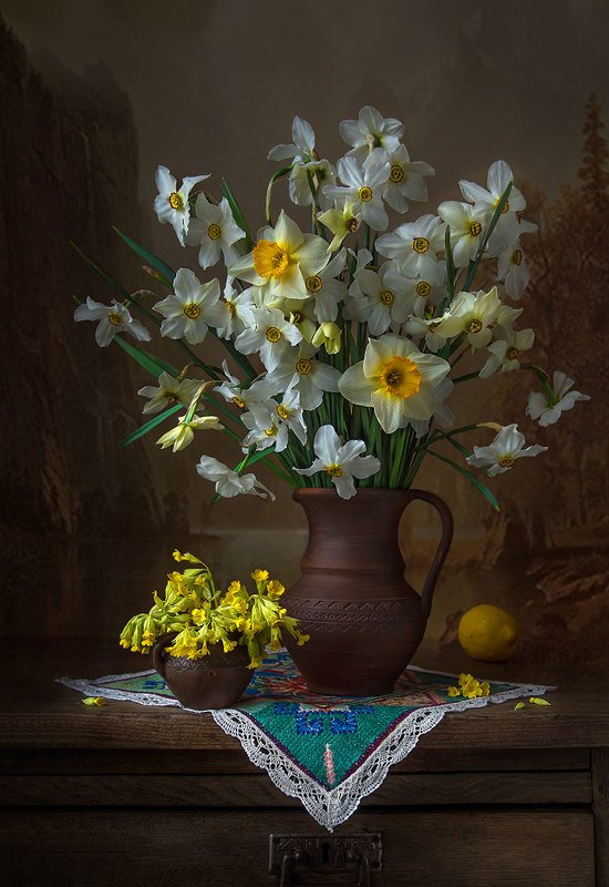 натюрморт с нарциссами,весна,букет,цветы,апрель,художественное фото,искусство. photo preview
