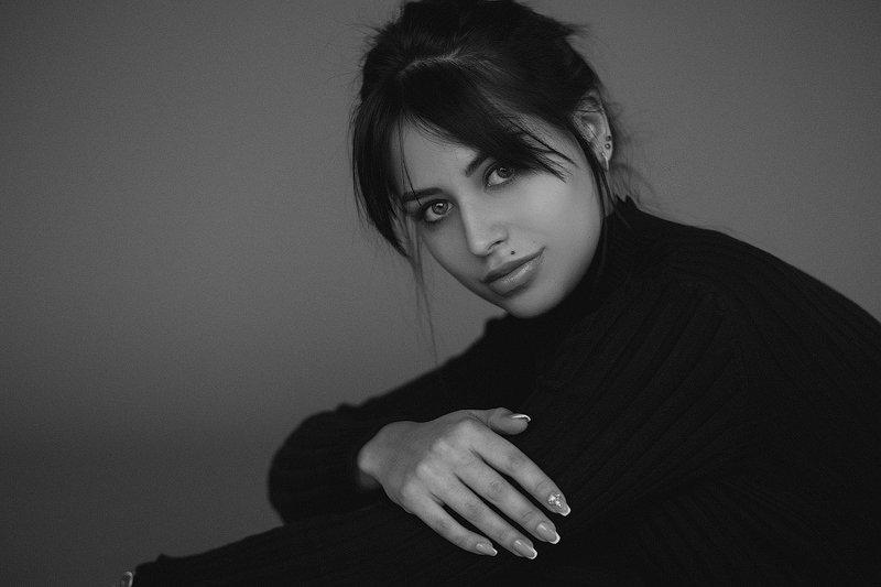 портрет чб девушка студия Настяphoto preview