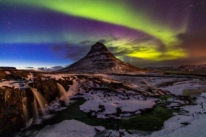 исландия, ночь, северное сияние kirkjufellphoto preview