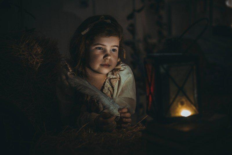 дети, детская фотосессия, На сеновалеphoto preview