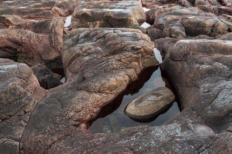 берег, лужа, камни, териберка, глаз дракона На берегу моря недалеко от Териберкиphoto preview