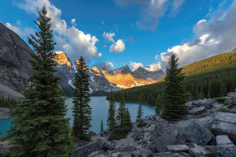 Banff National Park, Canada, Moraine, lake, sunrise Скалистые горыphoto preview