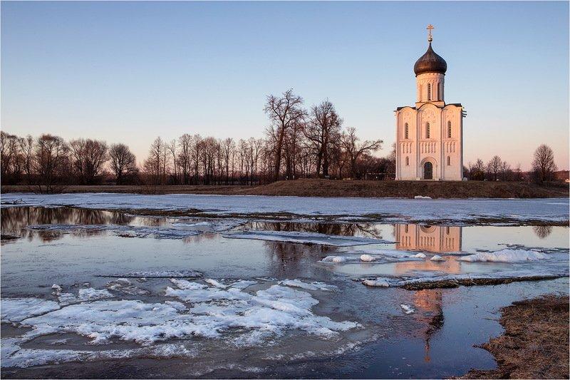 река, храм, снег, весна, вода, разлив, половодье, нерль, покров, вечер, Церковь Покрова на Нерли.photo preview