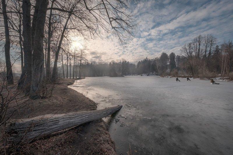 барский, пруд, середниково, пейзаж, лед, деревья, рыбаки, утро, рассвет, солнце, весна, апрель Последний ледphoto preview