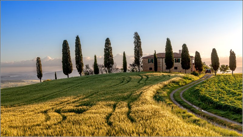 italy, tuscany, pienza, valdorcia, landscape House in Tuscanyphoto preview