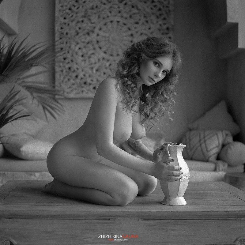 film, girl, 6x6, bw, black, white, nu, nude, face, девушка, портрет: лицо, ню, артню, чб, пленка, черное, белое,  Утреннее молоко фото превью