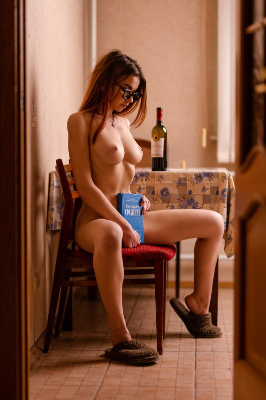nude, girl, russian, home, topless, vine, pretty Waiting for her husband...photo preview