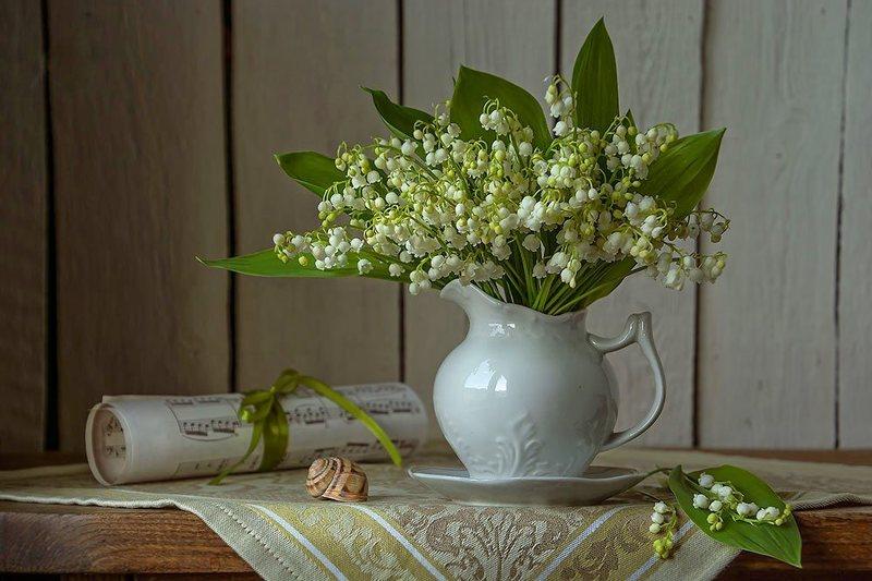 цветочный натюрморт с ландышами,весна,художественное фото,искусство. photo preview