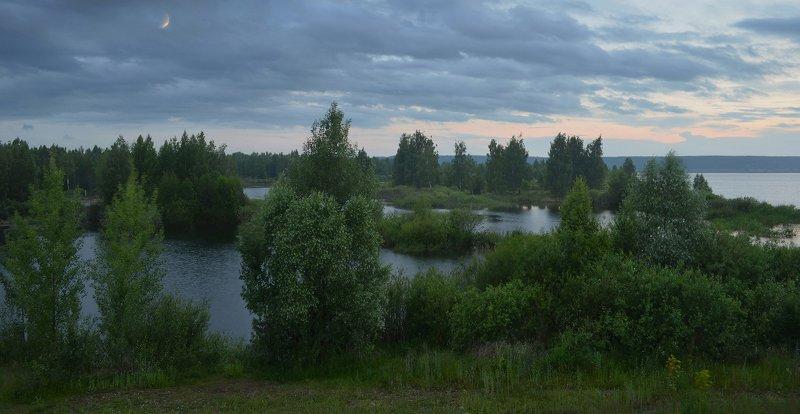 небо, тучи, луна, сумерки, простор, дымка, озеро, лес Летние сумеркиphoto preview