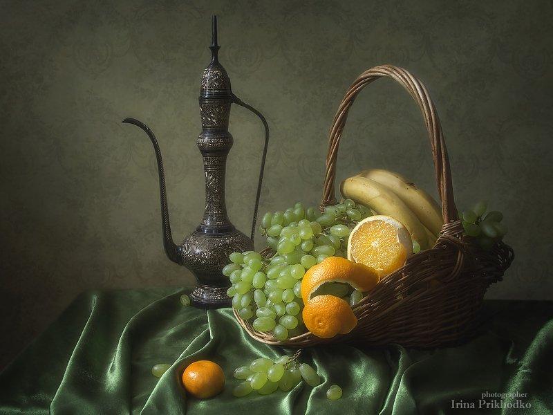 натюрморт, фрукты, винтажный, корзина, виноград Натюрморт с зеленым виноградомphoto preview