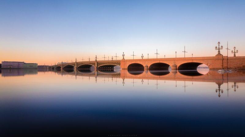 Мост, город, архитектура Троицкий мостphoto preview