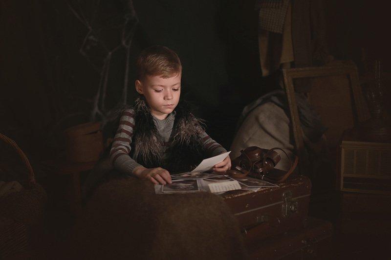 дети портрет чердак старый дом история Тайны старого дома. История одной фотографииphoto preview
