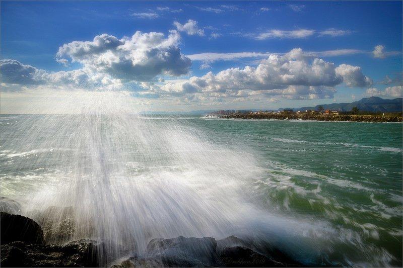 море, пейзаж, волны, вода, небо, облака Дождь на мореphoto preview