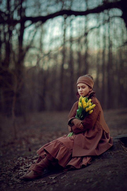девочка, весенняя фотосессия, весна, лес, фотосессия на природе, детский фотограф, тюльпаны Тюльпаныphoto preview