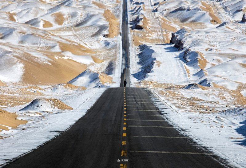 road,Snow mountain,Sky Road,desertm,snow,Qinghai,China,travel,landscapes,natural Sky Roadphoto preview