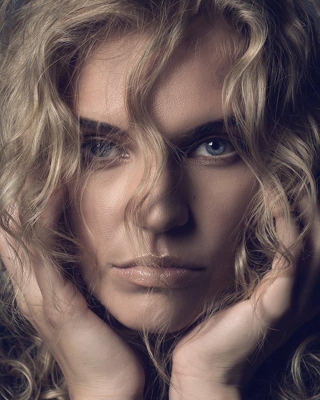 студия, портрет, женский портрет, девушка, улыбка, глаза Портреты Ольгиphoto preview