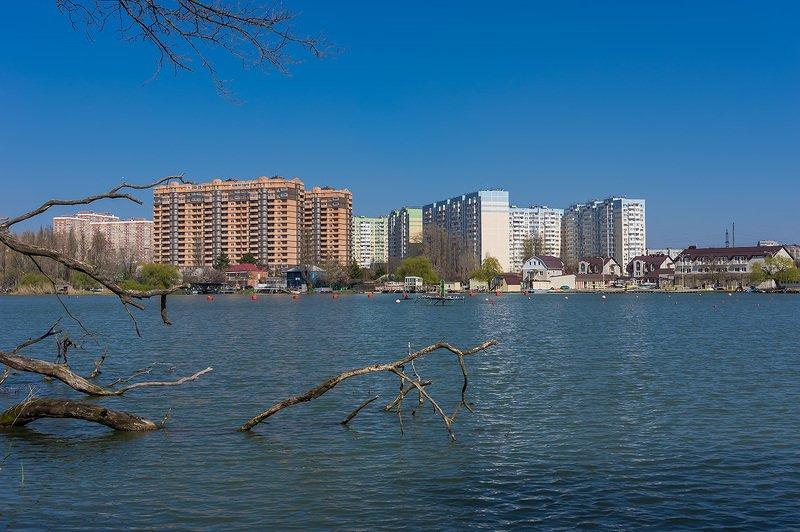 Город у воды ...photo preview