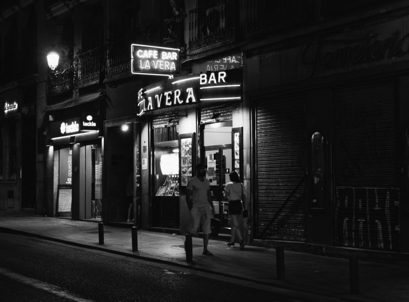 Monochrome, Spain, Madrid, Black and white, Street Un rendes-vous manquephoto preview