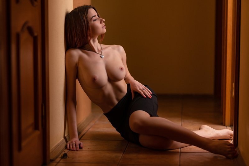 nude girl russian studio light topless Лейсанphoto preview