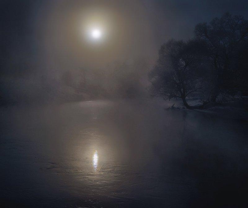 ночь, река, луна, отражение, туман Лунная ночь на рекеphoto preview