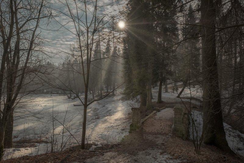 барский, пруд, середниково, мост, пейзаж, лед, снег, деревья, утро, рассвет, солнце, весна, апрель Старый мост у прудаphoto preview