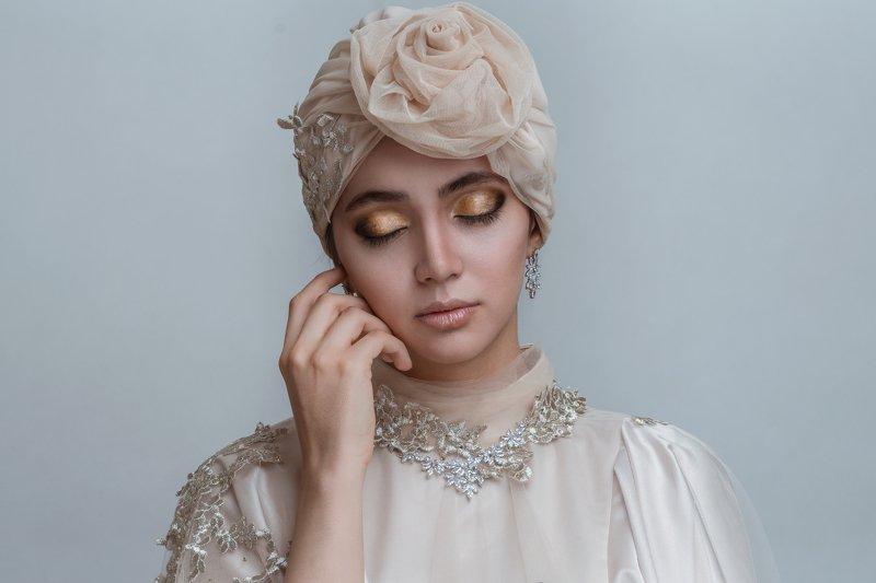 #portrait #femaleportrait #queen #fashion #mood queenphoto preview
