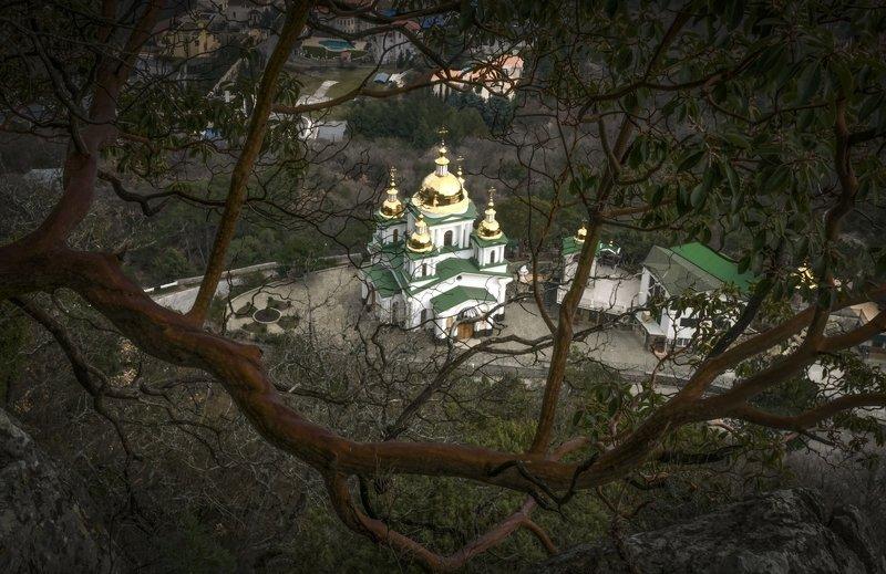 Храм Святого Архистратига Михаилаphoto preview