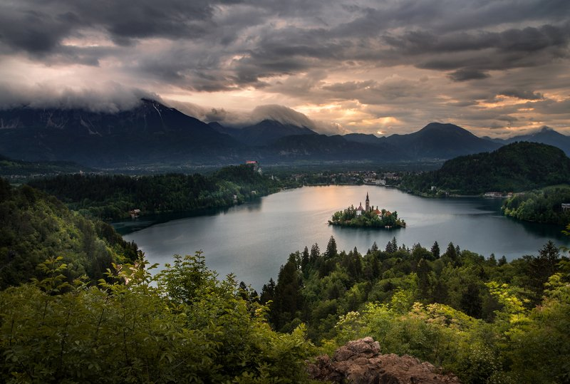 landscape nature scenery lake light sunlight morning sunrise chapel island view sky mountain bled пейзаж озеро рассвет Meditation timephoto preview