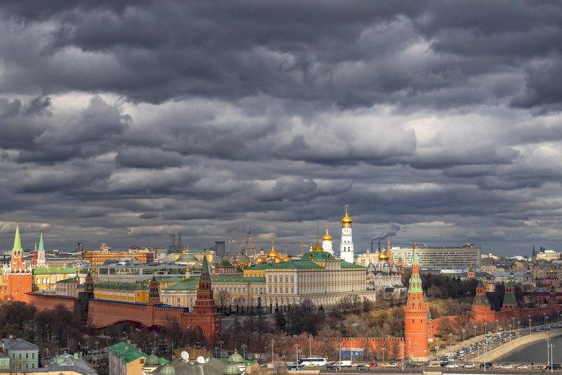 архитектура, город,  весна, свет, купола, пейзаж Кремльphoto preview