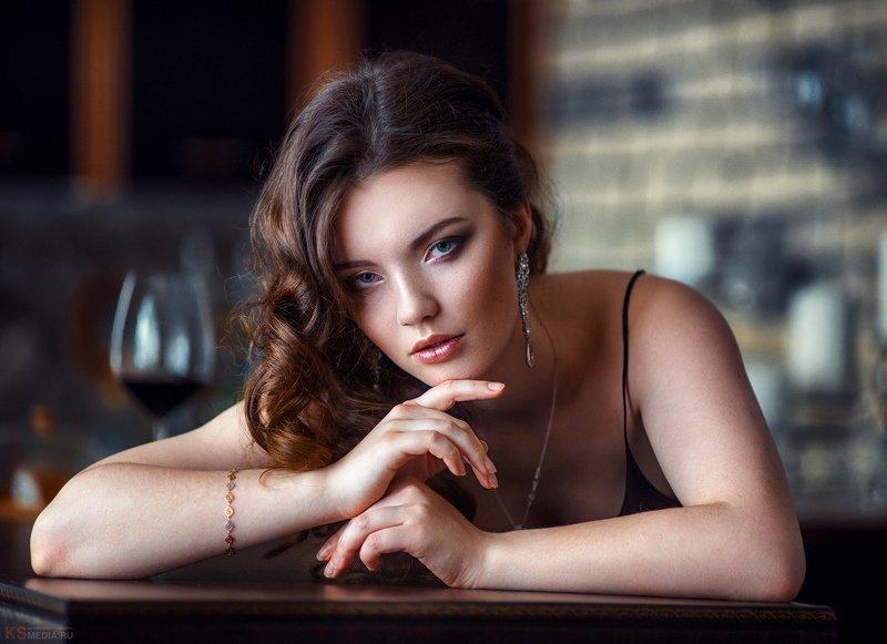 девушка,вино,бар Соняphoto preview